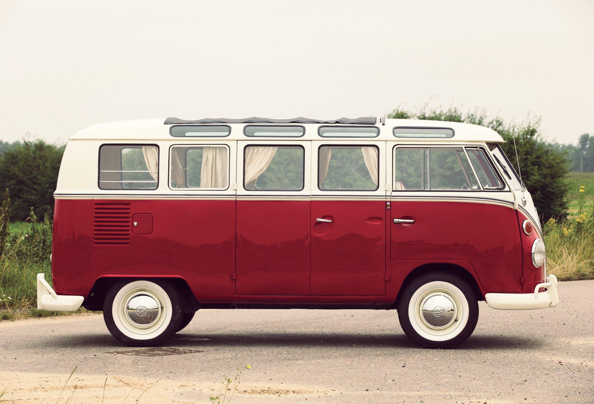 21 window deluxe volkswagen type 2. Black Bedroom Furniture Sets. Home Design Ideas