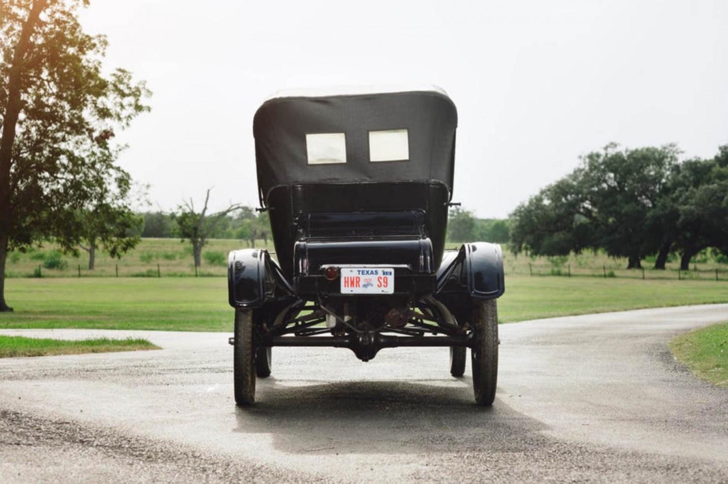 Ford Model T Roadster 2