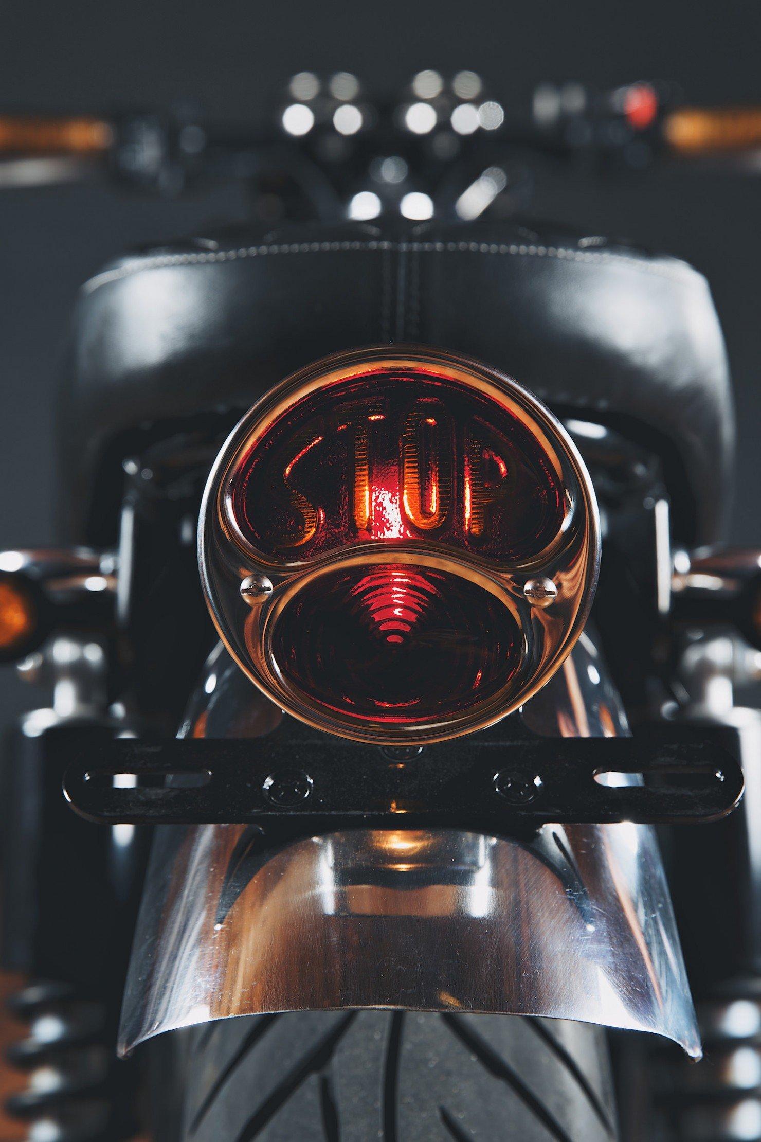 Kawasaki_W650_Motorcycle_10