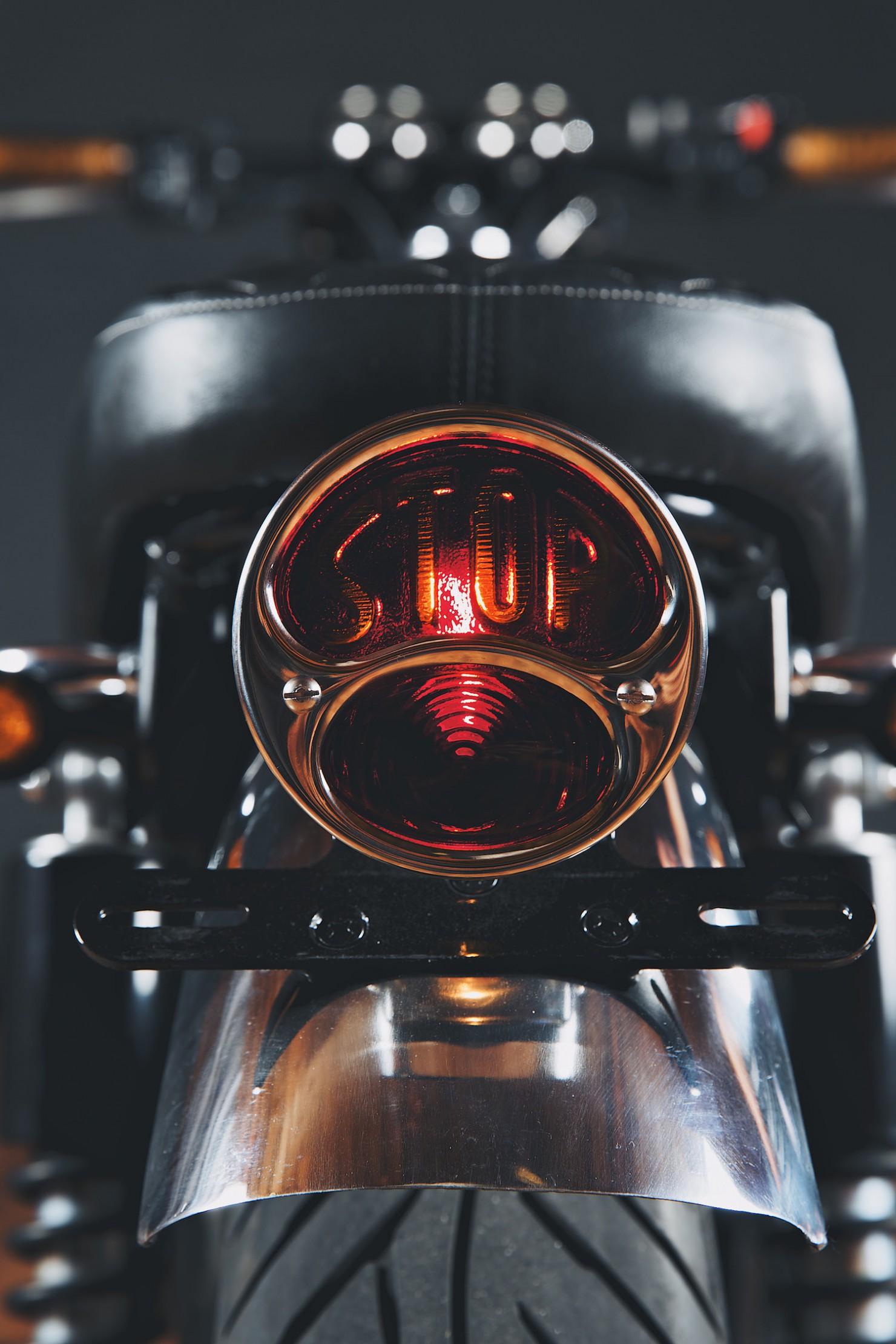 Kawasaki W650 Motorcycle 10 1480x2220 Kawasaki W650