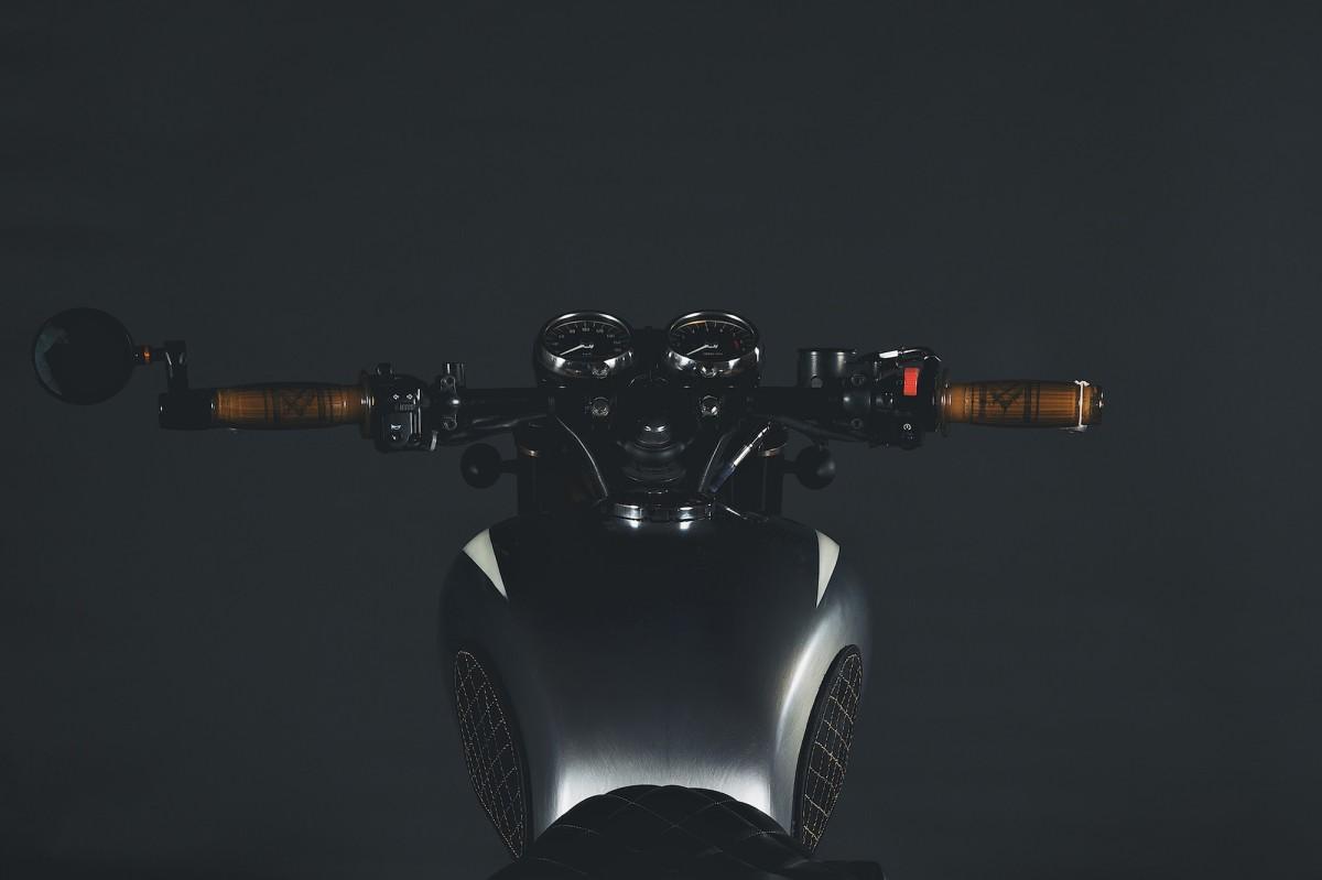 Kawasaki W650 Motorcycle 12 1200x799 - Kawasaki W650 by Motovida