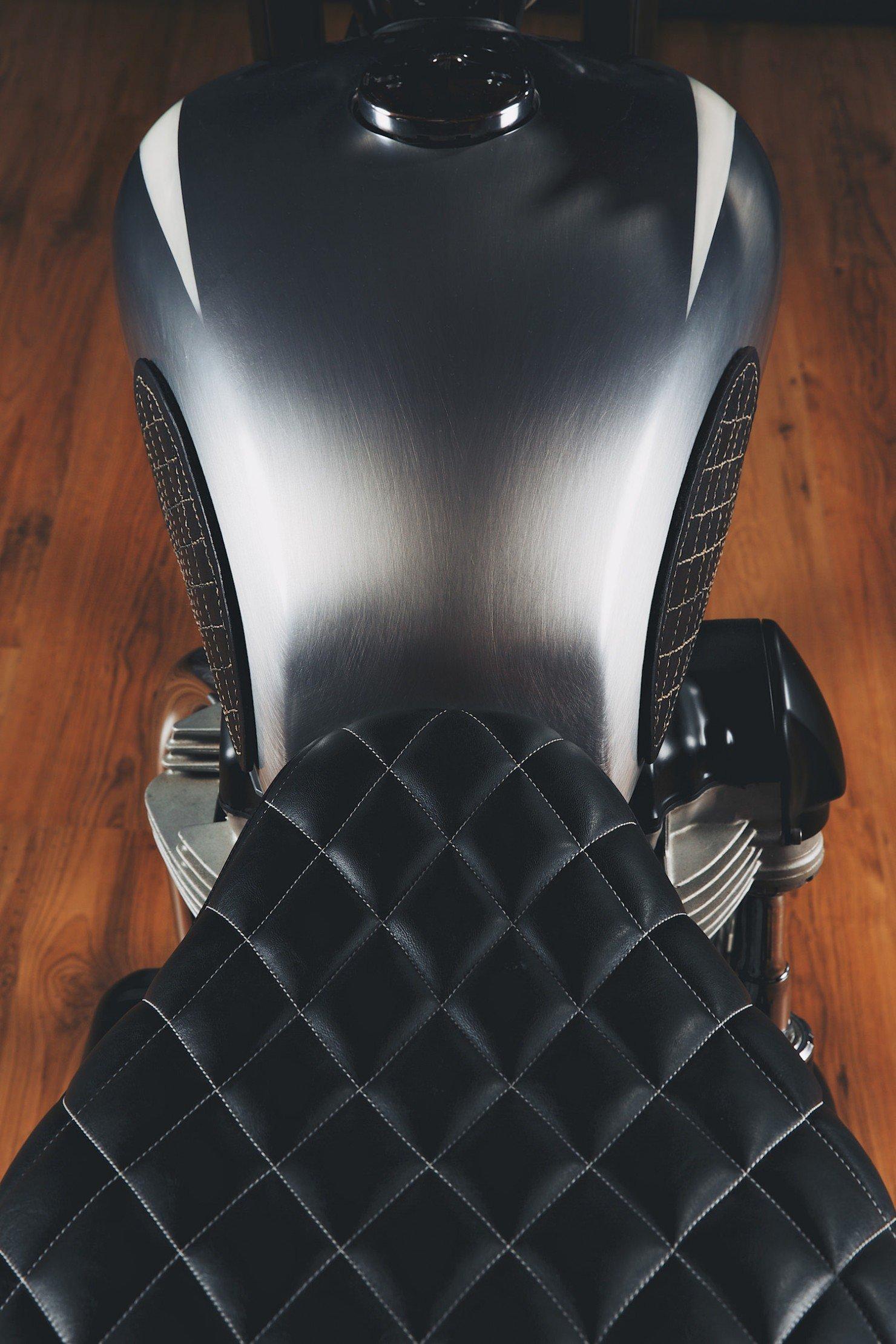 Kawasaki W650 Motorcycle 14 1480x2220 Kawasaki W650