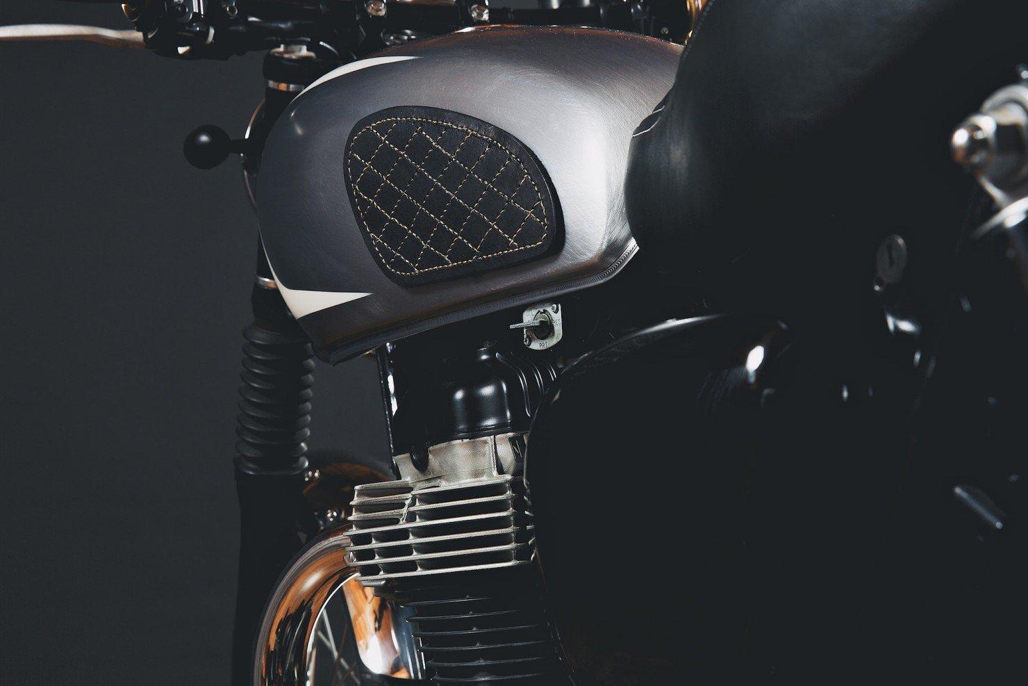 Kawasaki_W650_Motorcycle_16
