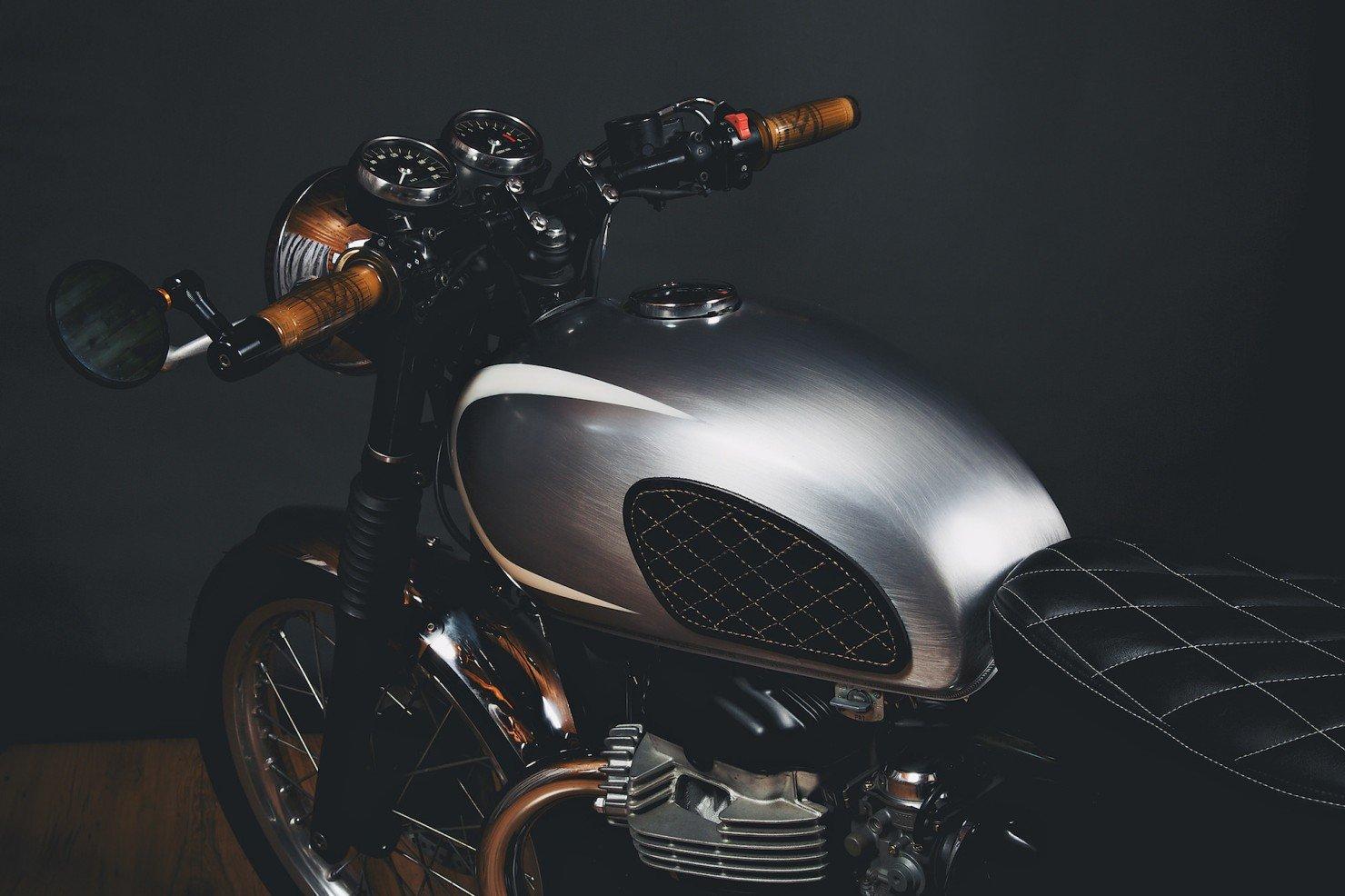 Kawasaki_W650_Motorcycle_3