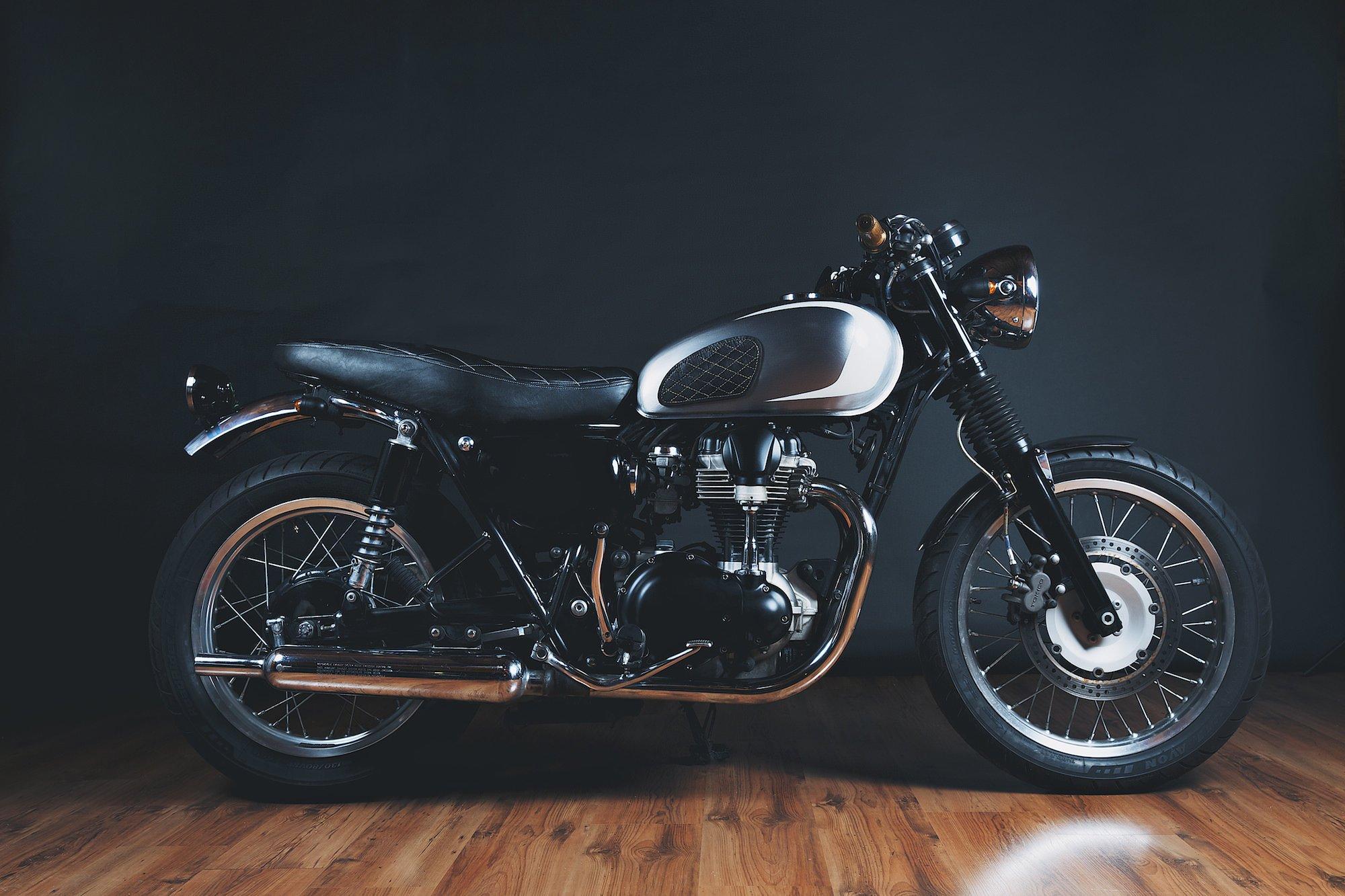 kawasaki w650 motorcycle garage motorcycles custom bikes materialicious posts motorbikes t100 bonneville mods retro tweet silodrome related