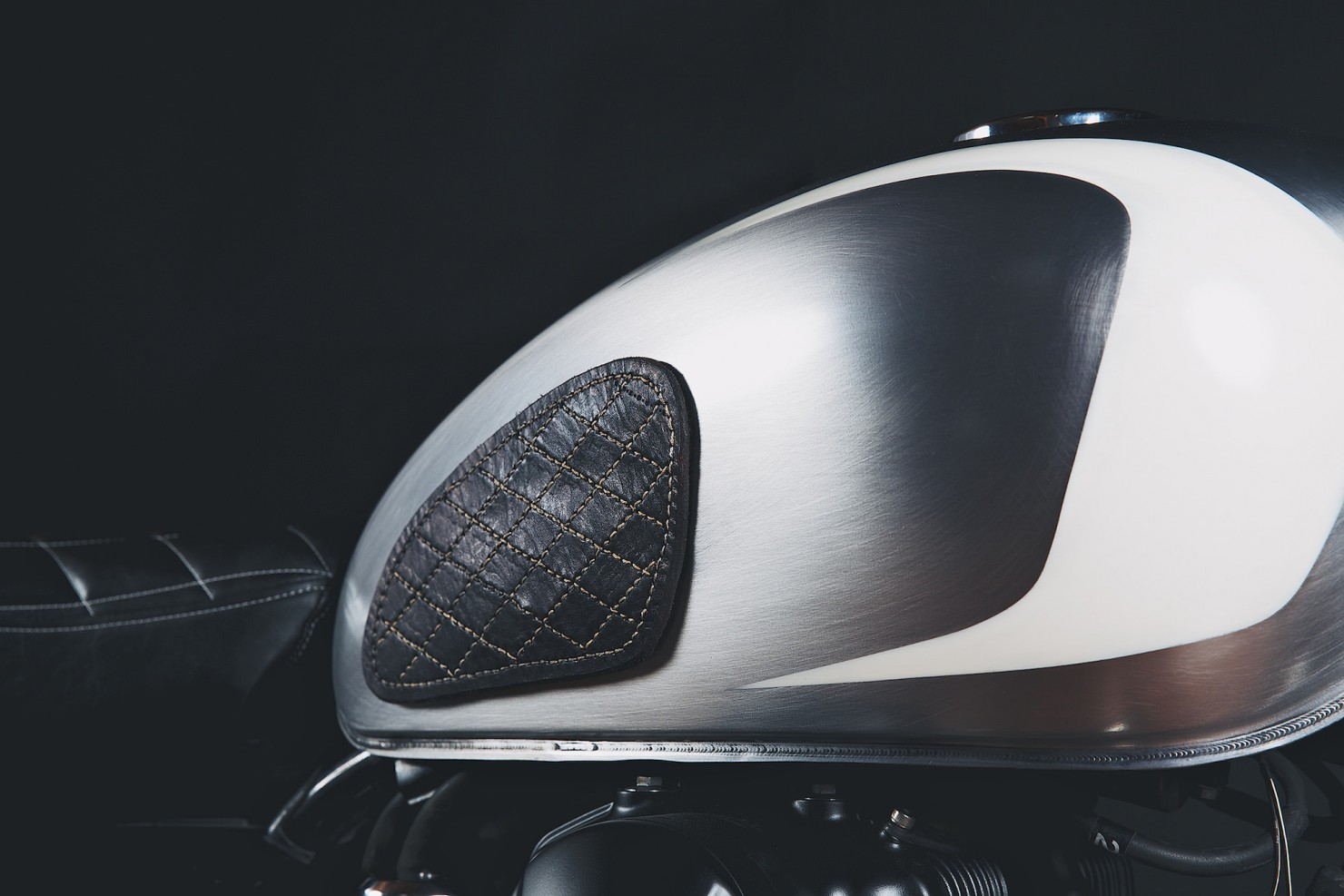 Kawasaki_W650_Motorcycle_5