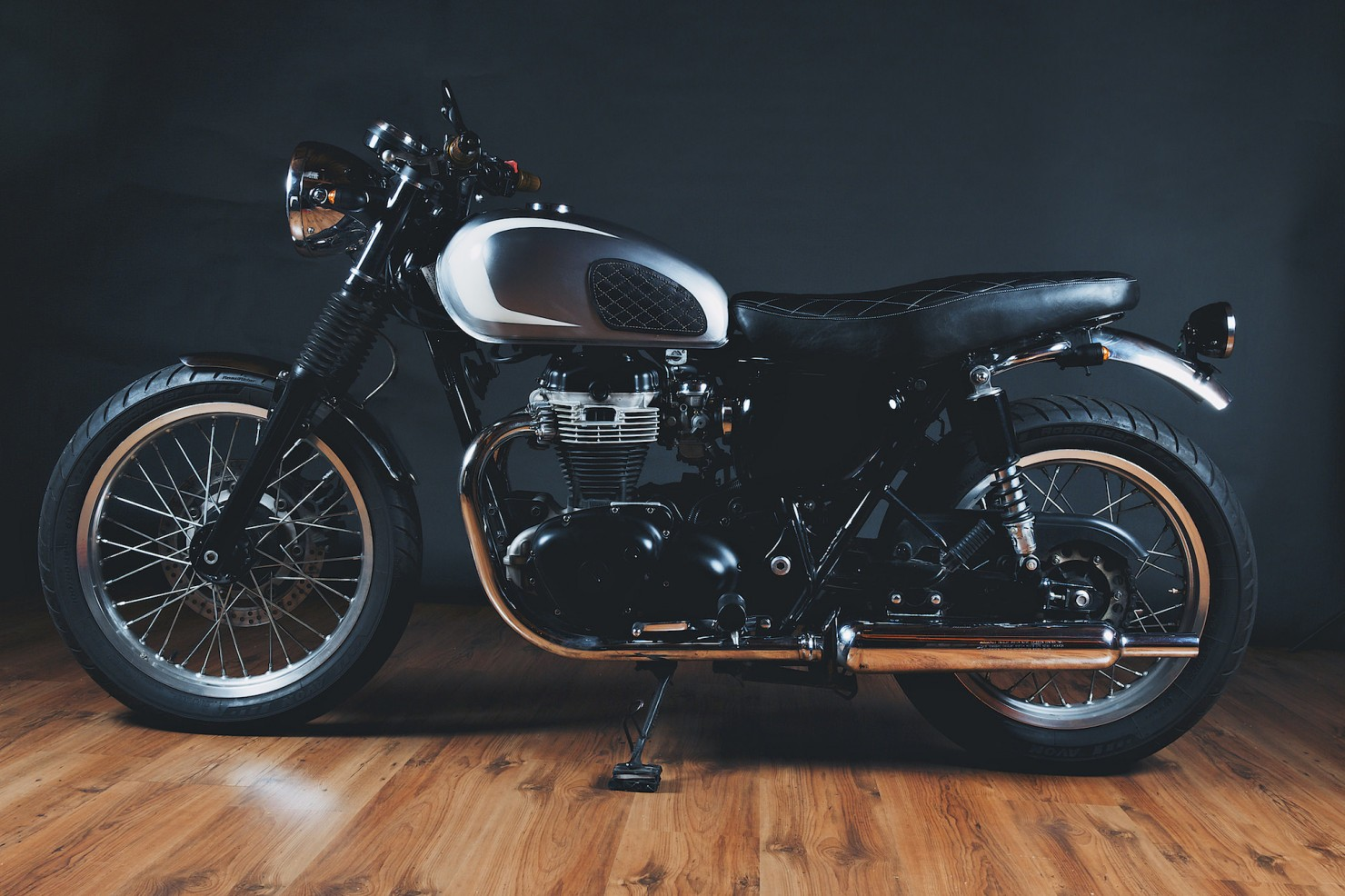 Kawasaki_W650_Motorcycle_9
