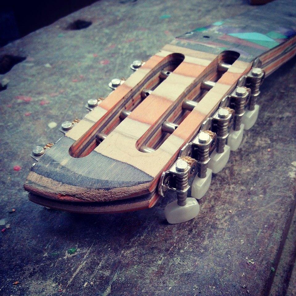Skateboard_Guitars_11