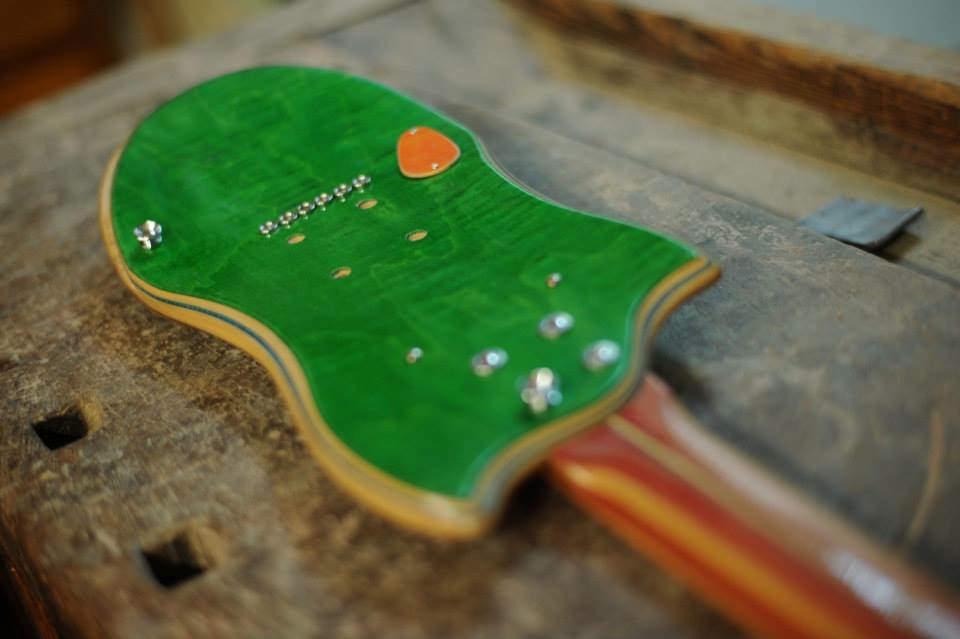Skateboard_Guitars_17