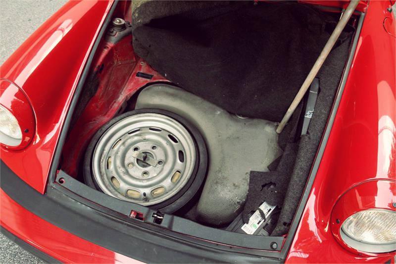Vintage_Porsche_911_14