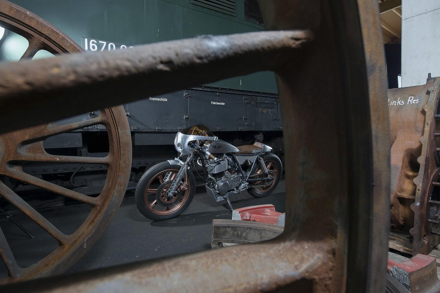 Yamaha_SR500_Custom_Motorcycle_12