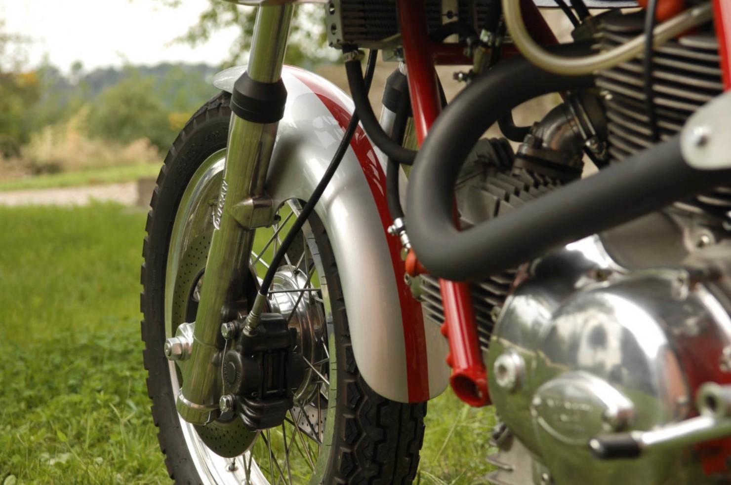 Ducati-750SS-12