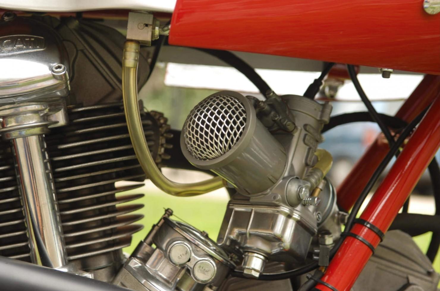 Ducati-750SS-16