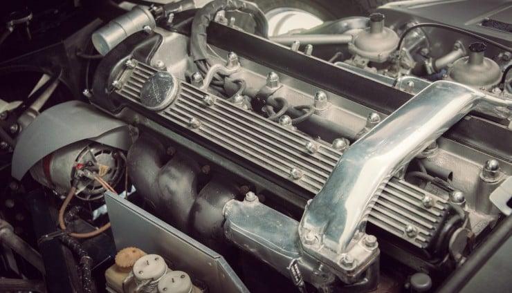 Jaguar_E-Type_Car_10
