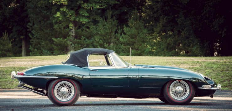 Jaguar_E-Type_Car_13