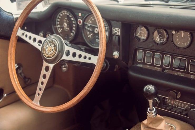 Jaguar_E-Type_Car_6