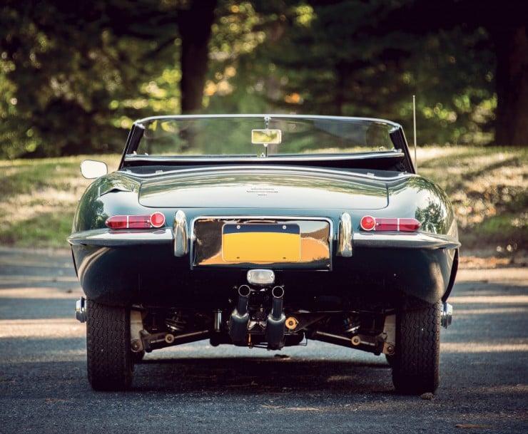 Jaguar_E-Type_Car_8