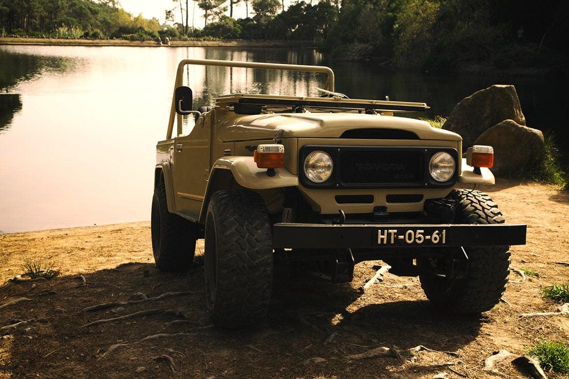 Toyota_Land_Cruiser_BJ40_17