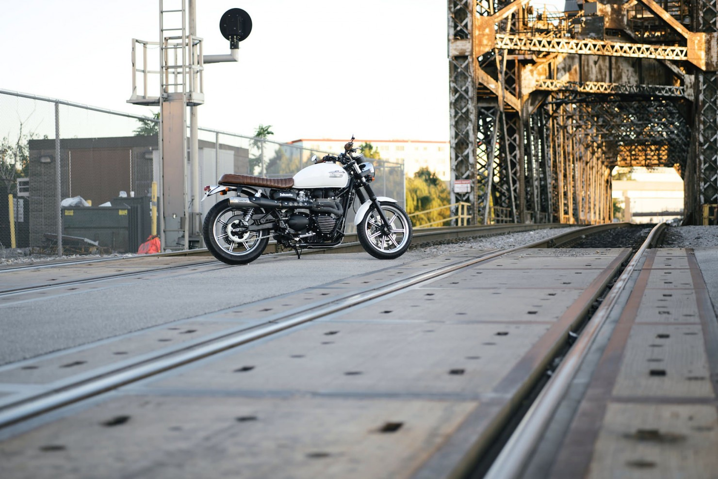 Triumph_Bonneville_Motorcycle_16