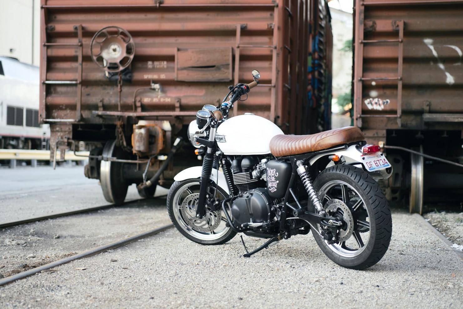 Triumph_Bonneville_Motorcycle_18