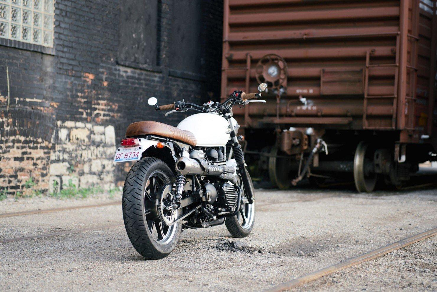 Triumph_Bonneville_Motorcycle_19