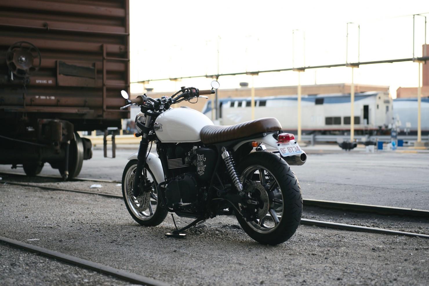 Triumph_Bonneville_Motorcycle_20