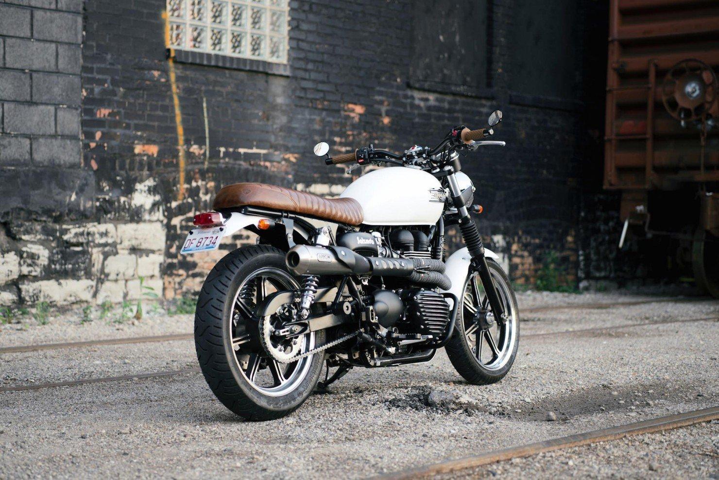 Triumph_Bonneville_Motorcycle_21
