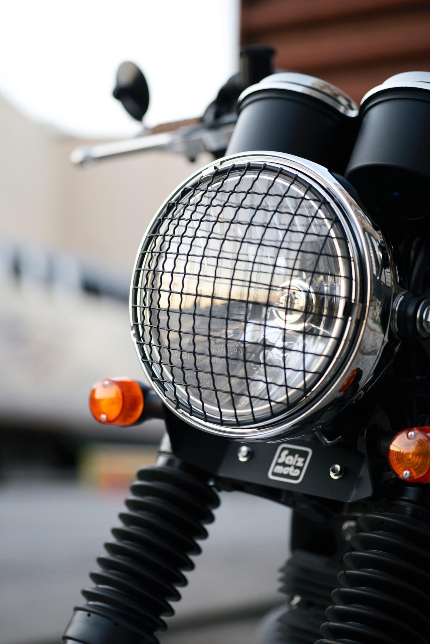 Triumph_Bonneville_Motorcycle_26