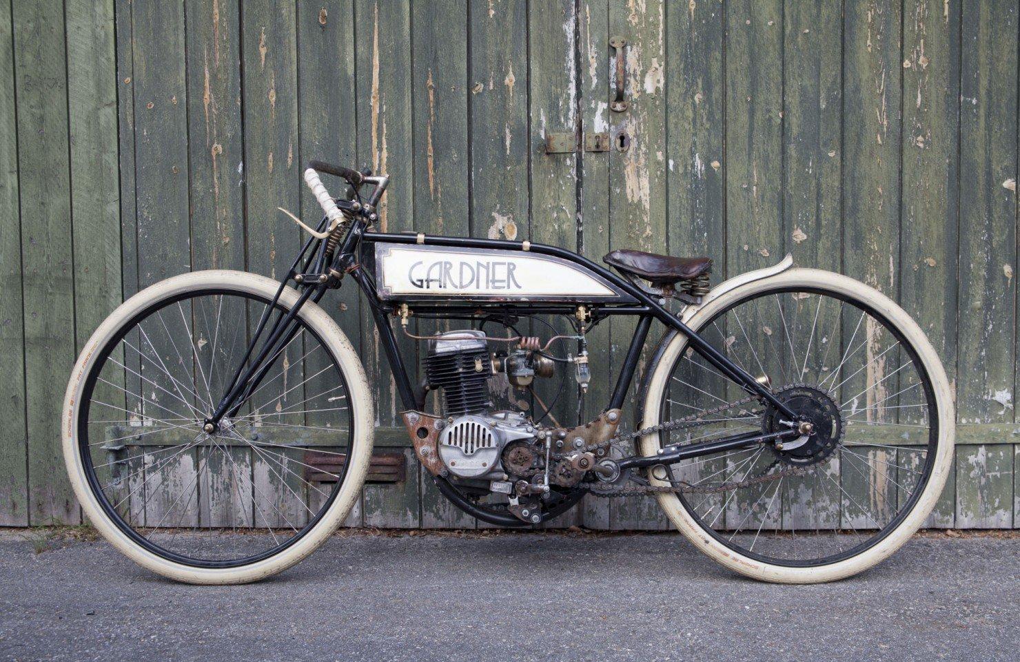 Board-Tracker-Motorcycle-16