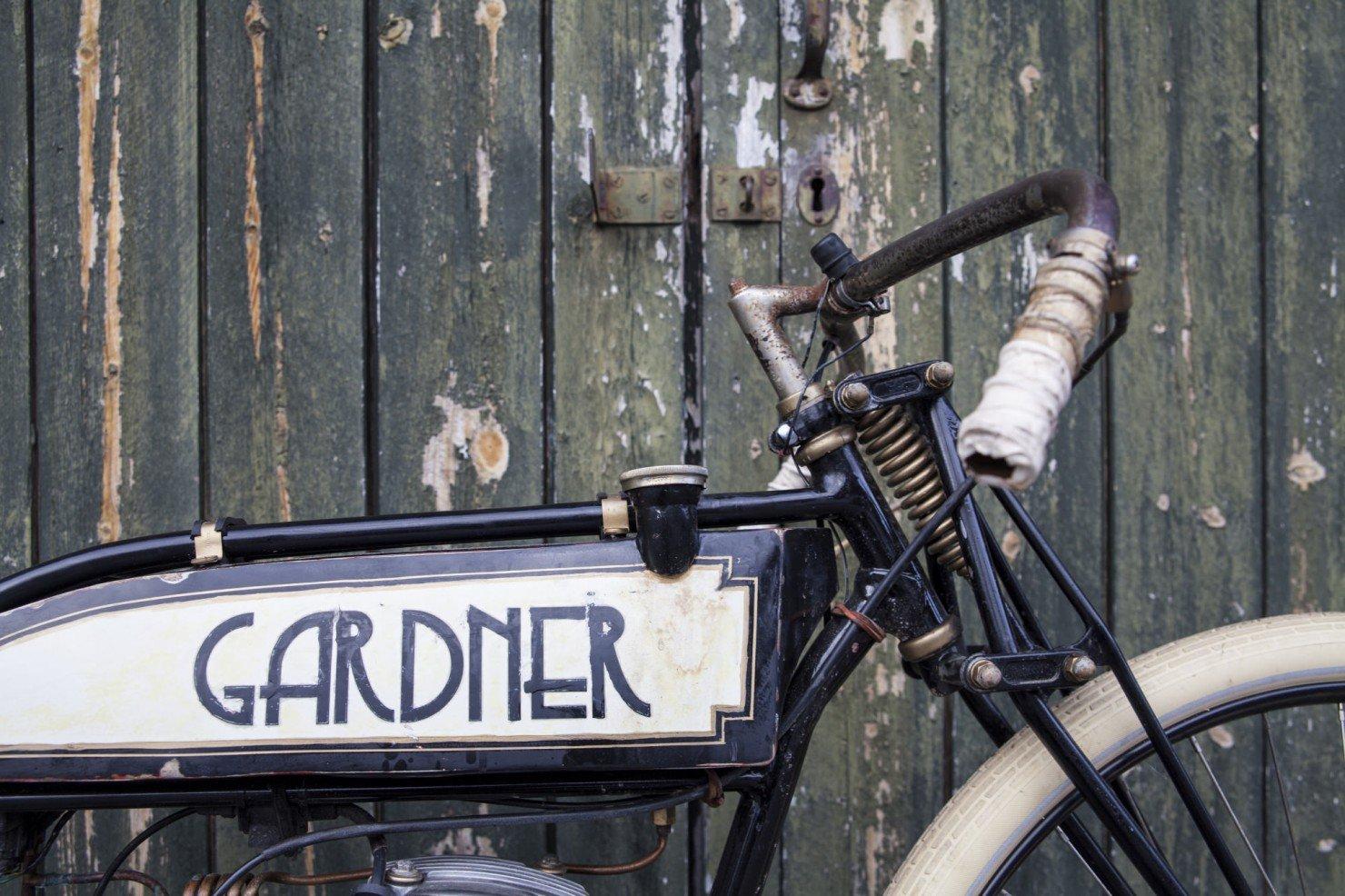 Board-Tracker-Motorcycle-9