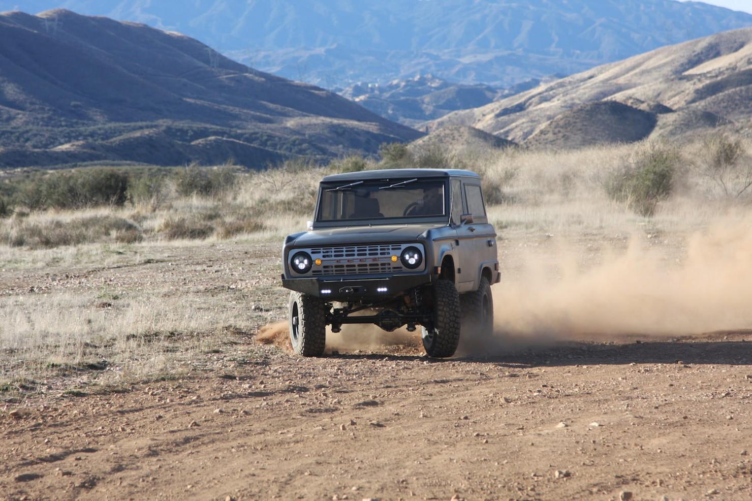 Bronco_Offroad_F34_Dusty_Drift