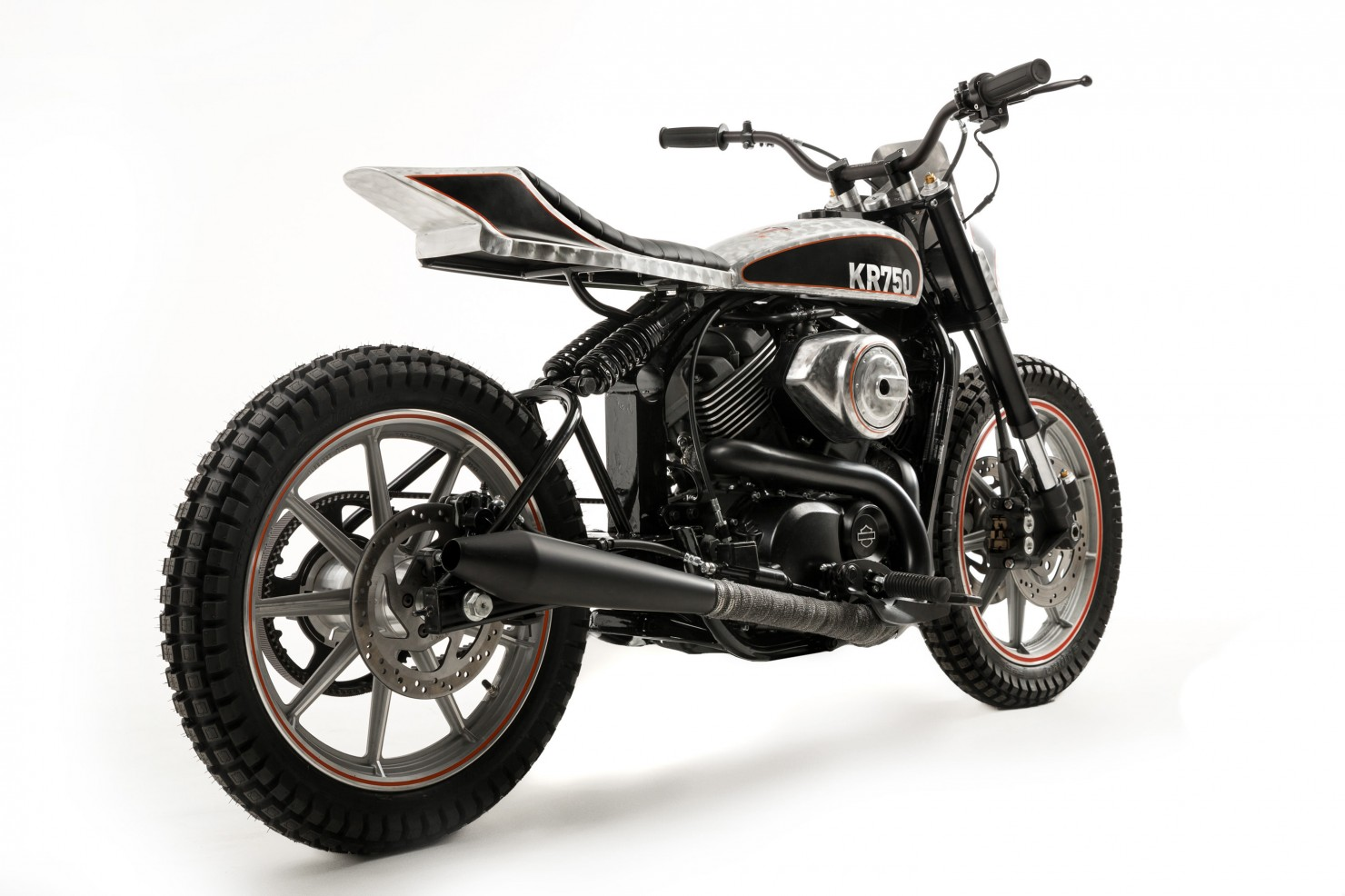 Harley-Davidson-Street-Custom-14