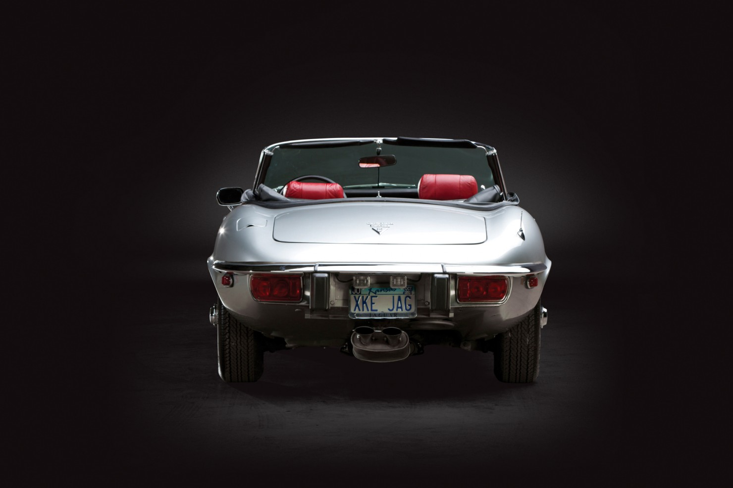 Jaguar_E-Type_V12_18
