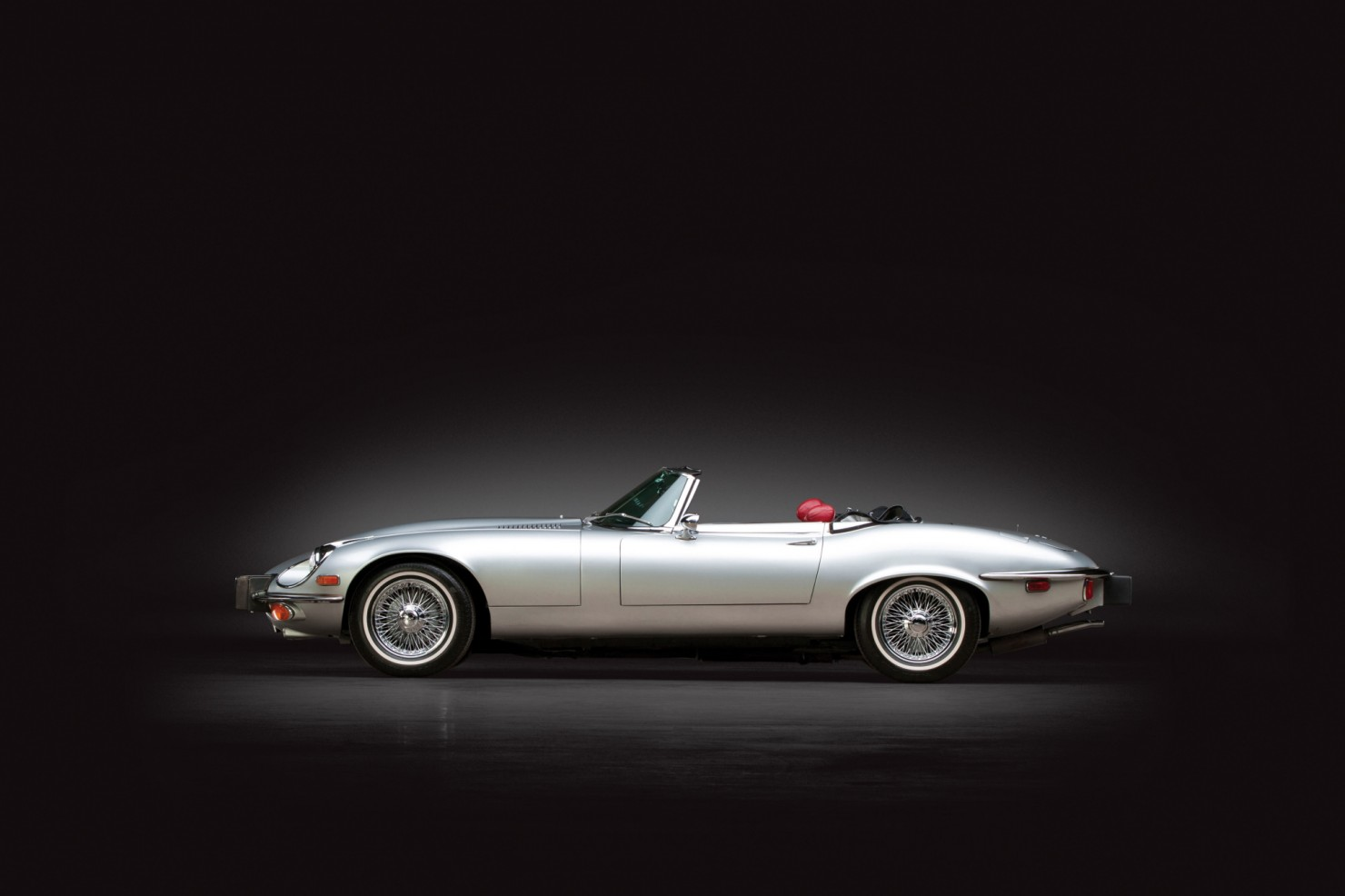 Jaguar_E-Type_V12_5