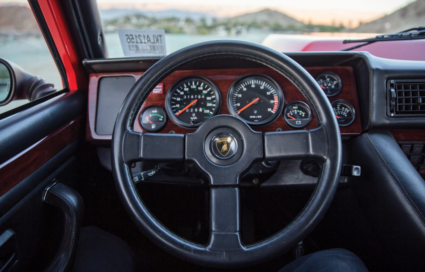 Lamborghini-LM002-9