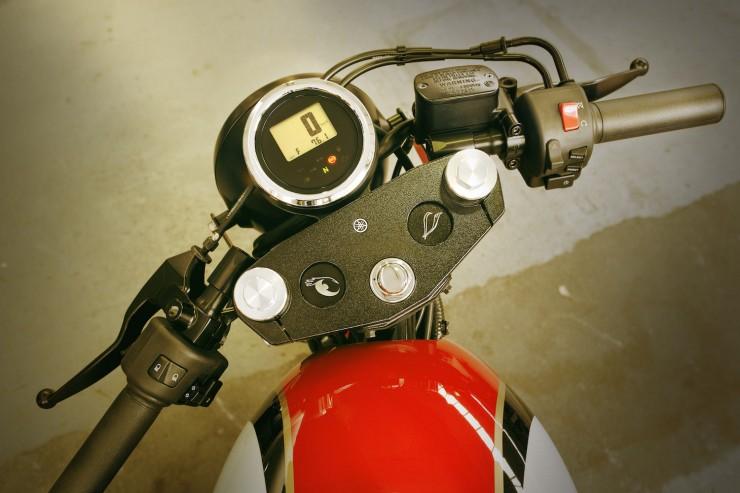 Yamaha-XV950-12