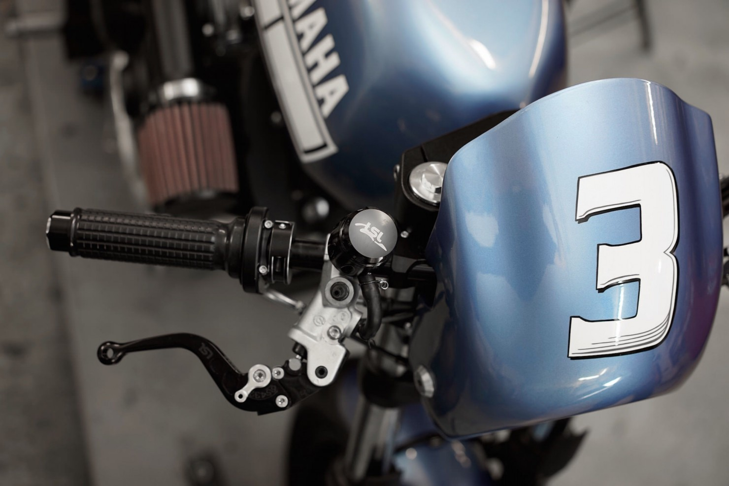Yamaha-XV950-13