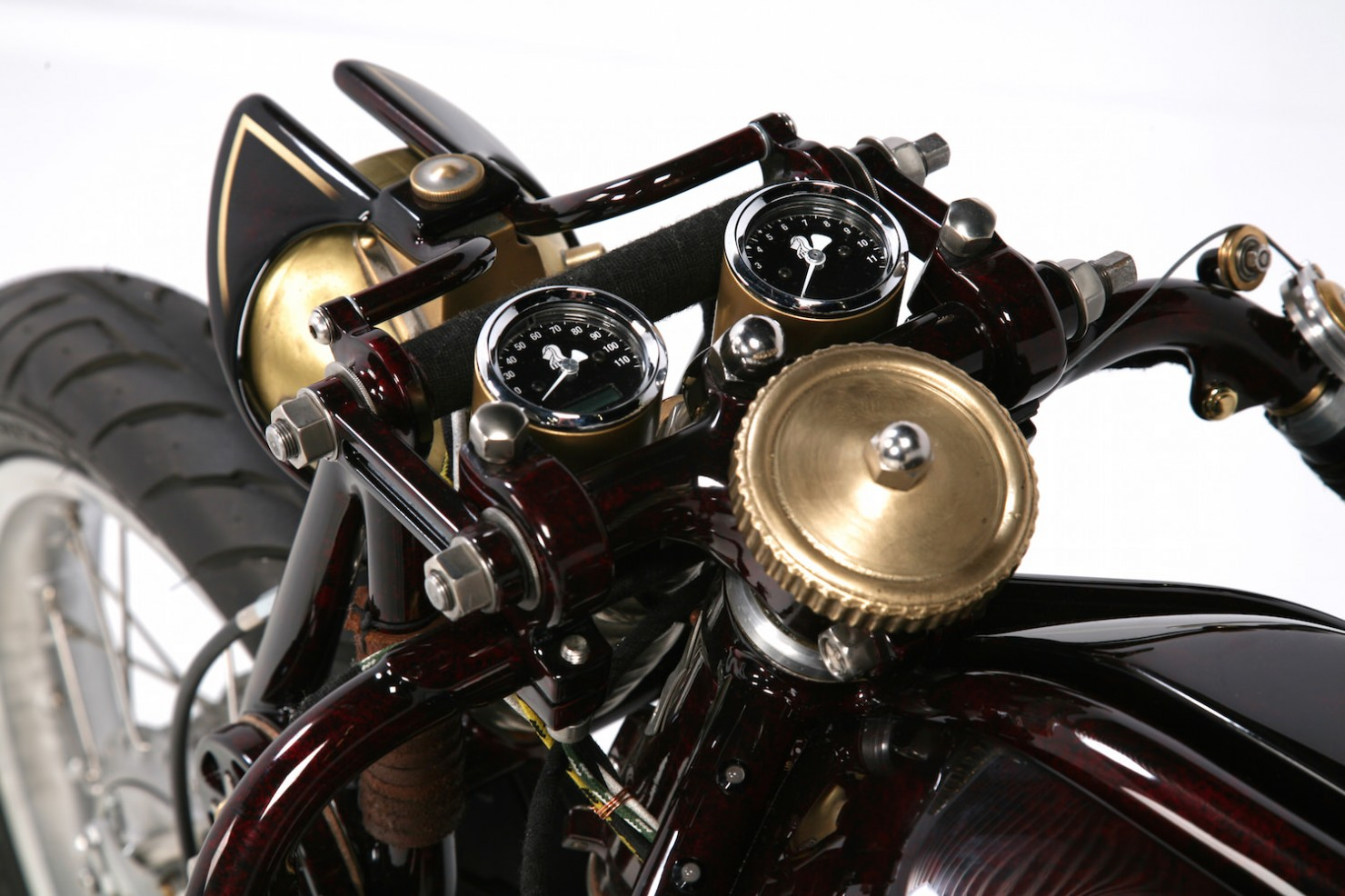Ducati-900SS-12