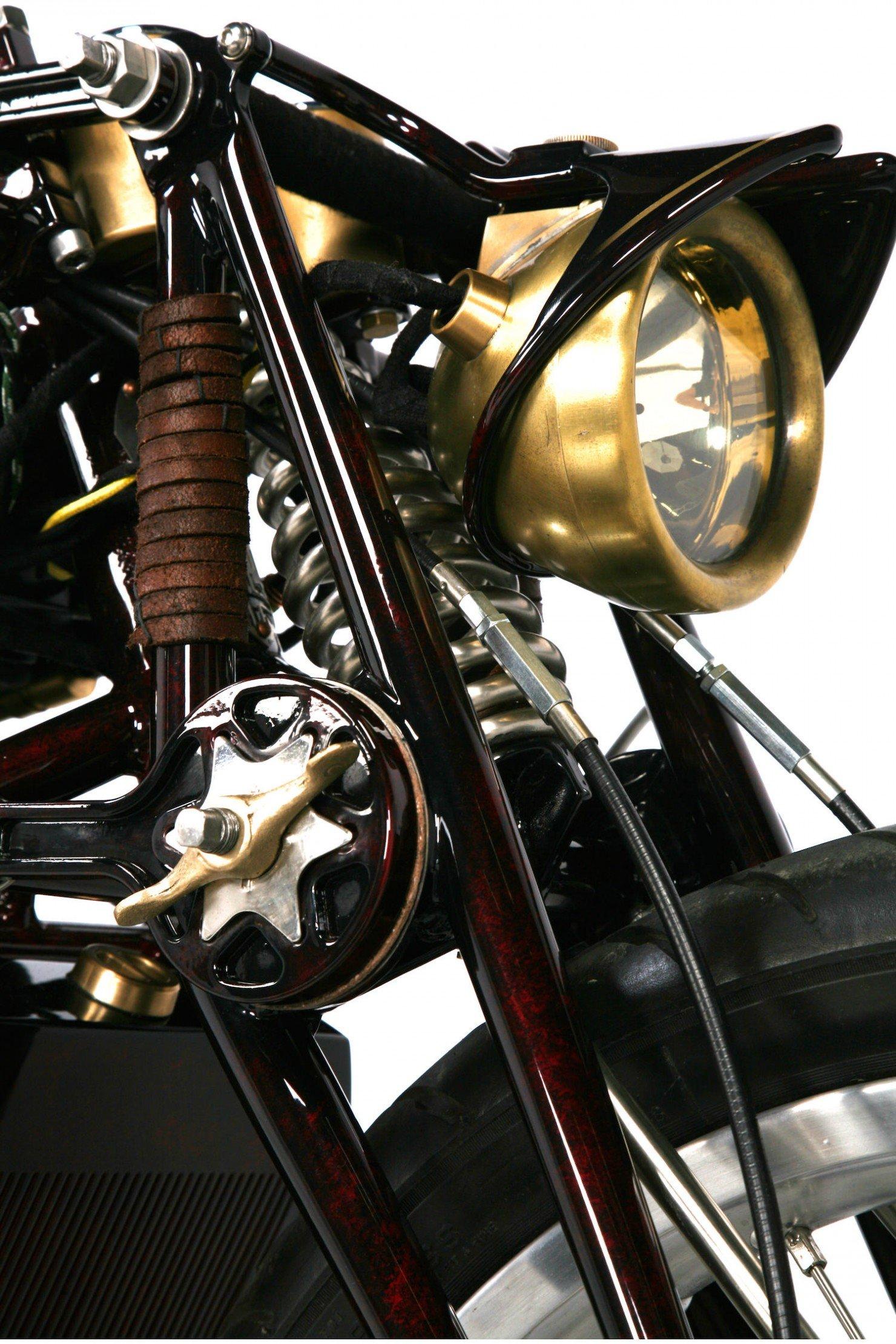 Ducati-900SS-3