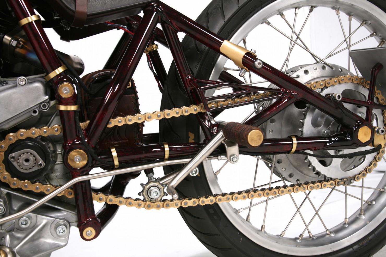 Ducati-900SS-8