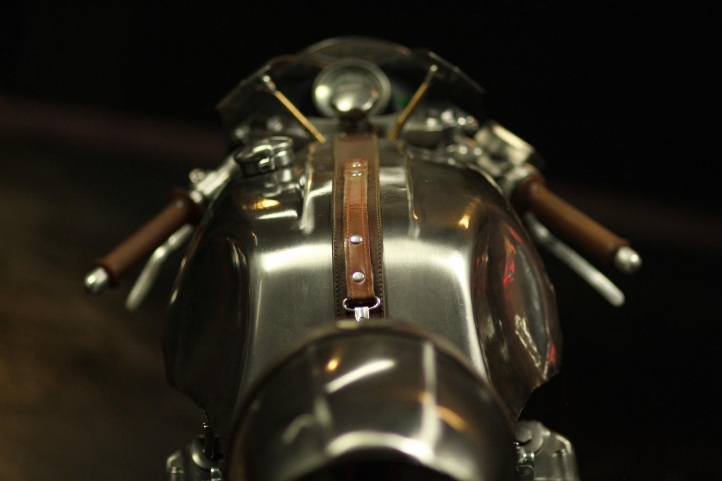 Honda-CB-750-Motorcycle-14