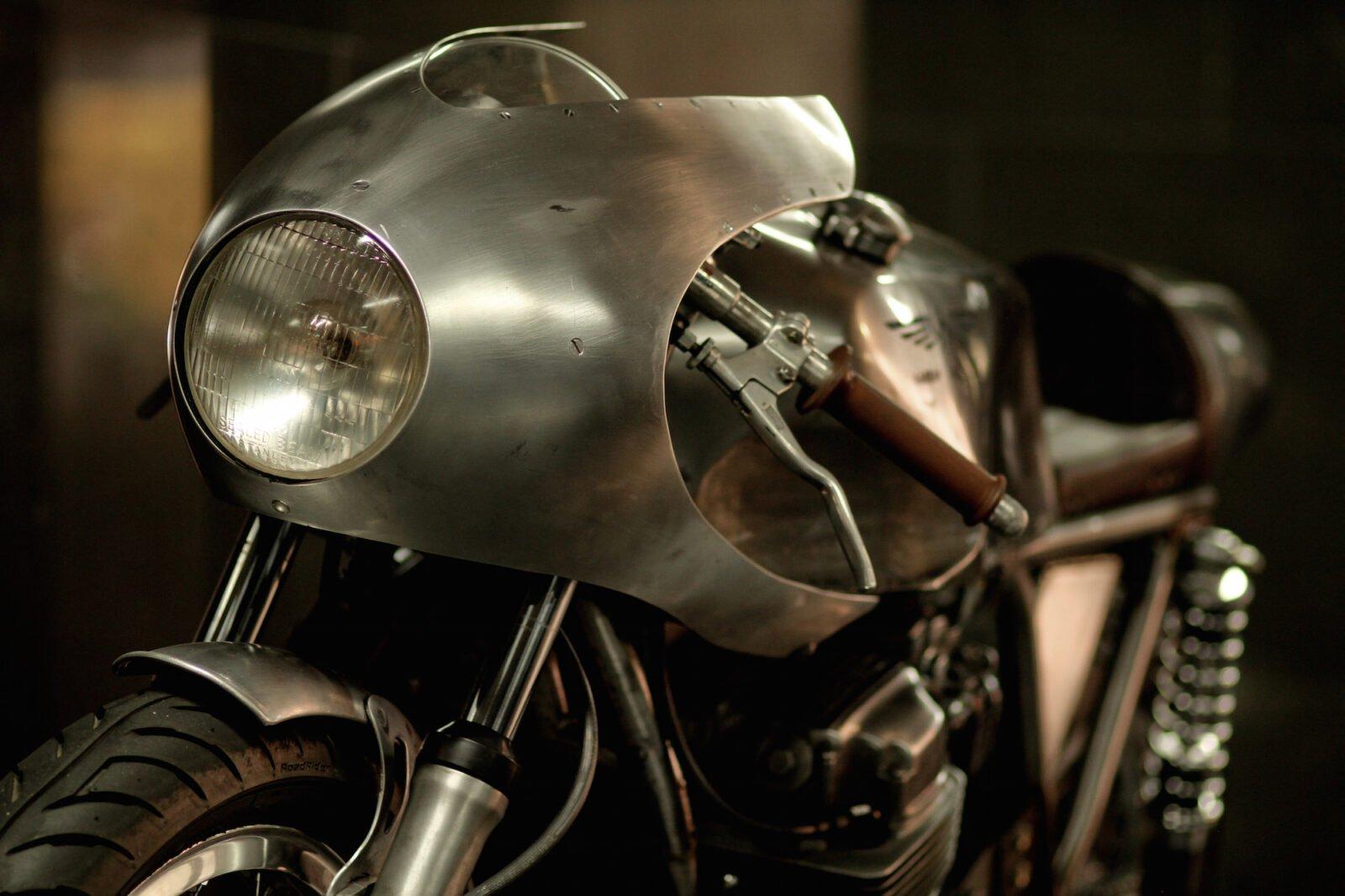 Honda CB 750 Motorcycle 6 1600x1066 - Ryan Reynolds' Honda CB750 by Raccia Motorcycles