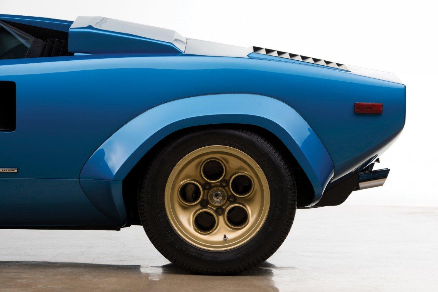 Lamborghini-Countach-LP400S-16
