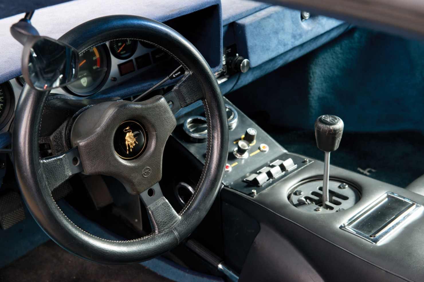 Lamborghini-Countach-LP400S-18