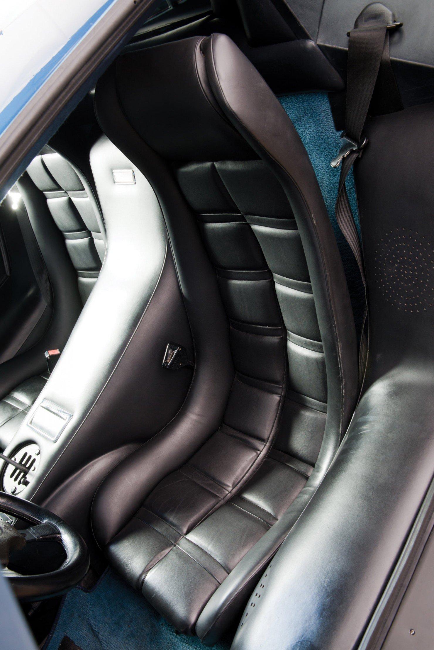 Lamborghini-Countach-LP400S-19