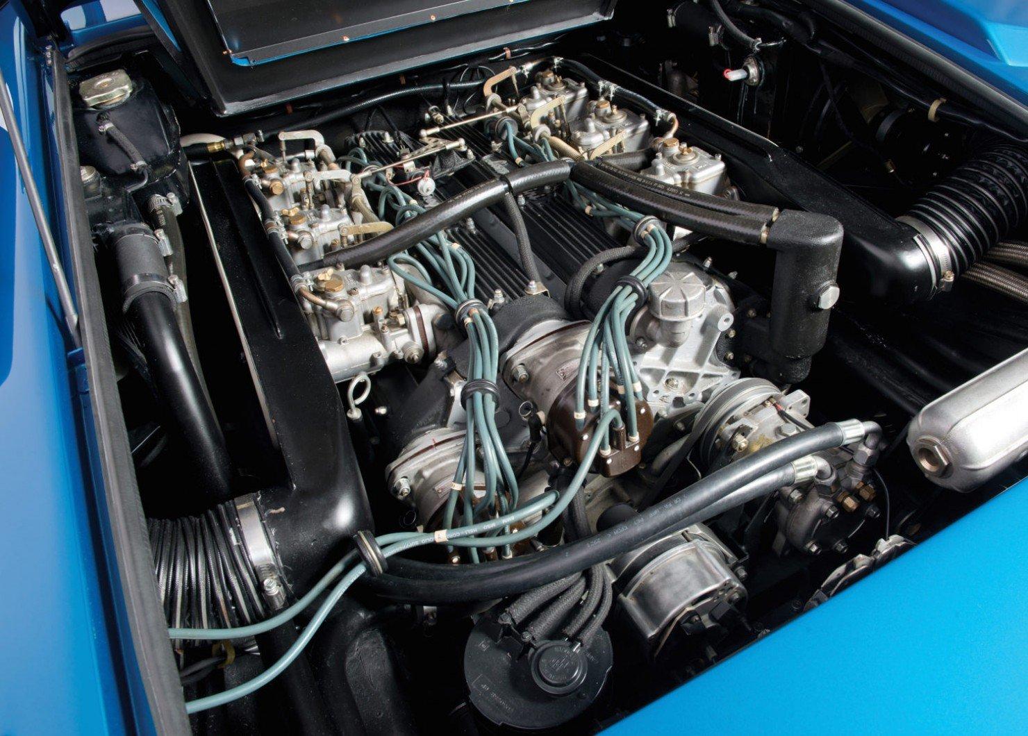 Lamborghini-Countach-LP400S-3