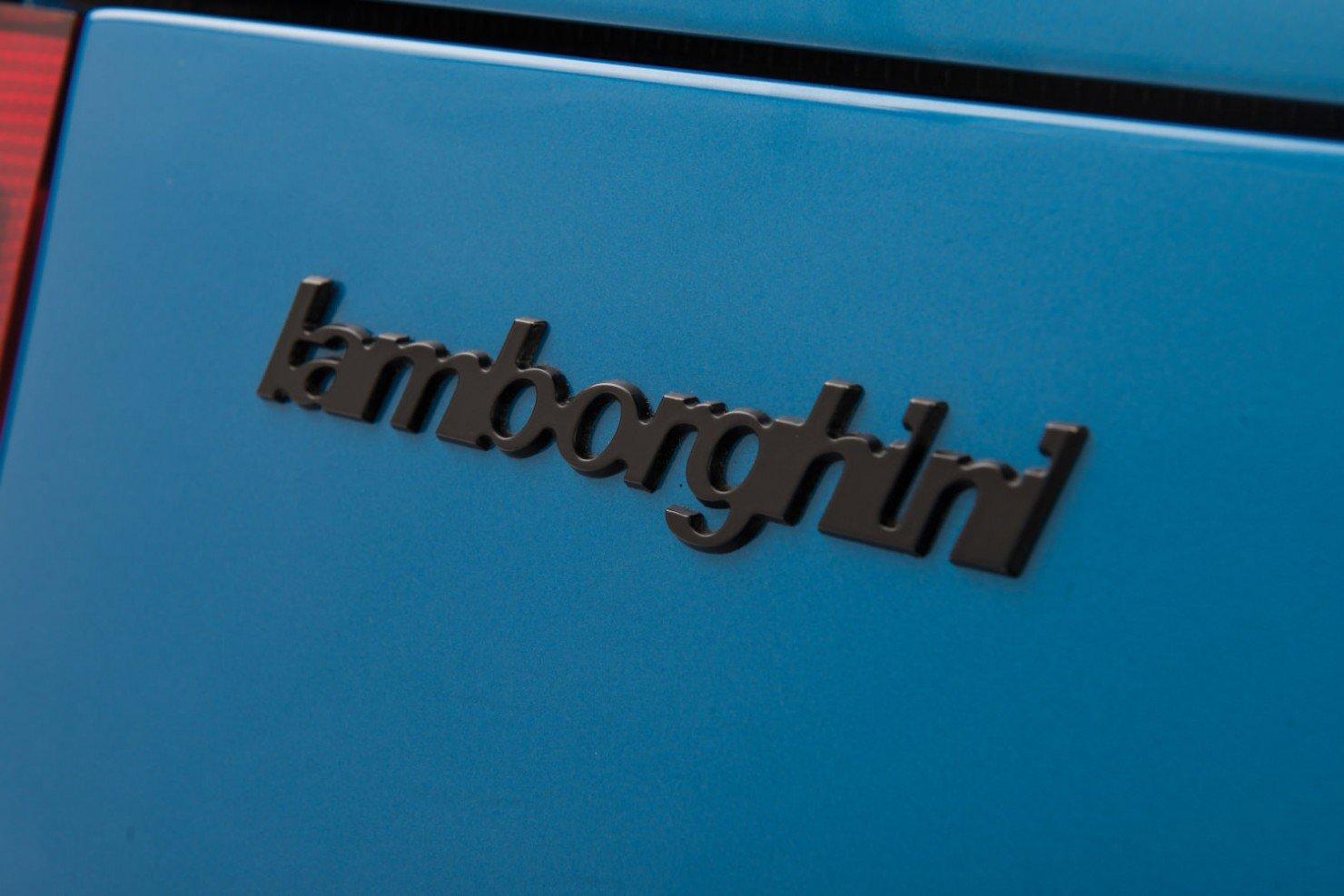 Lamborghini-Countach-LP400S-8