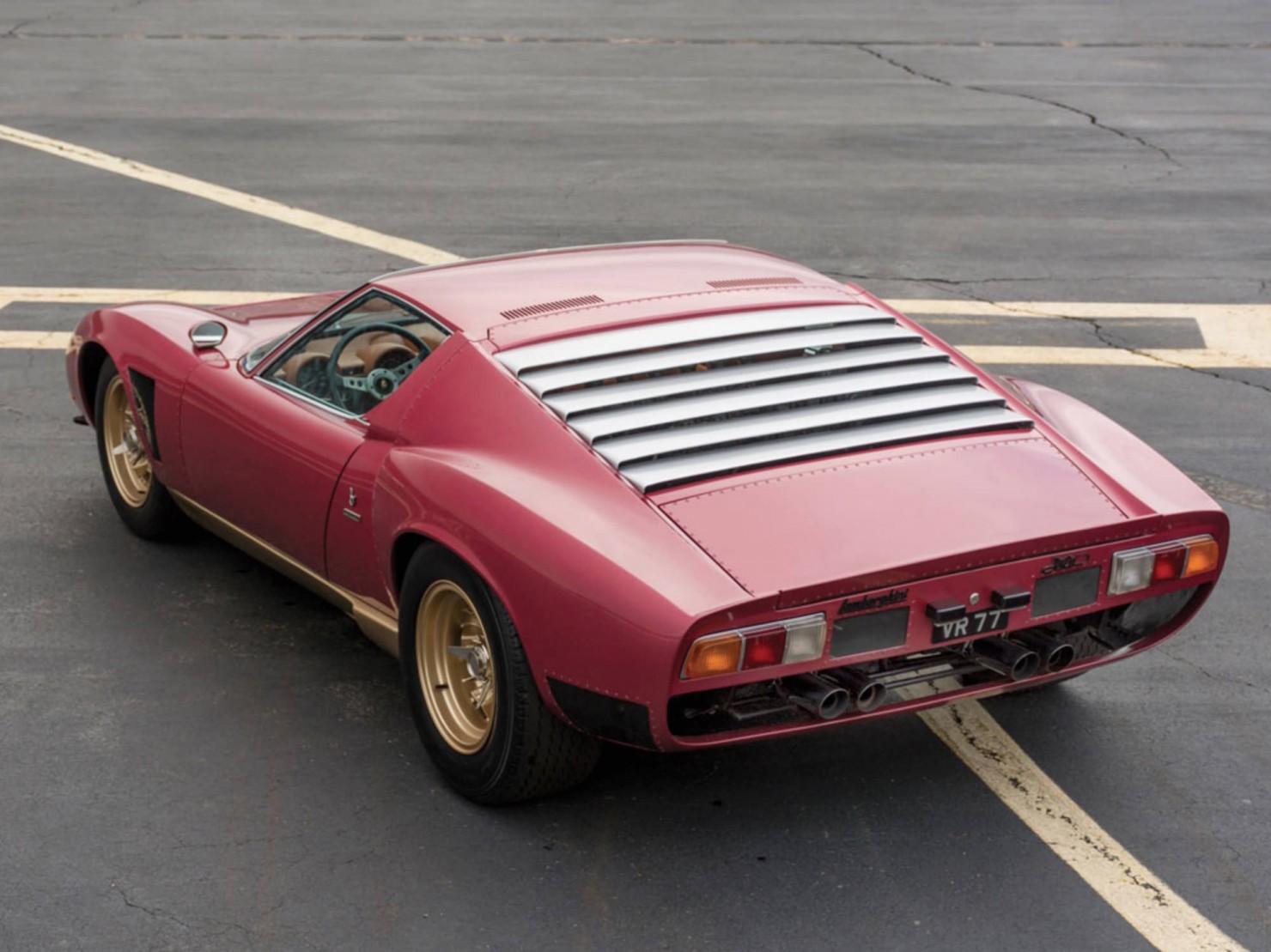 Lamborghini-Miura-1