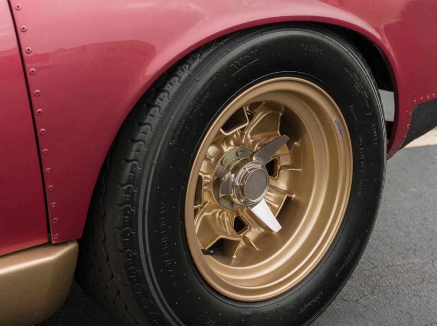 Lamborghini-Miura-11
