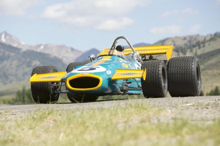 Vintage_Formula_1_Car_14-1200x799